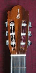 juan_miguel_carmona_09b_head1_Guitarreria